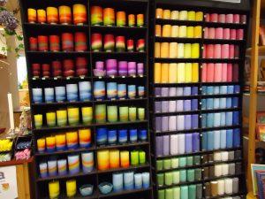 """Werkstatt """"Weizenkorn"""" Kerzen durchgefärbt große Farbpalette"""