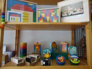 Bausteine und Spieluhren